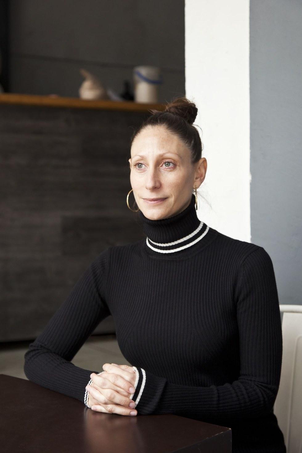 Tatiana Lipkes, poet and publisher, Mangos de Hacha