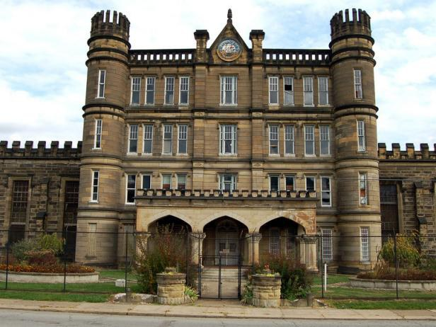 11 Of The Most Haunted Places In The Us