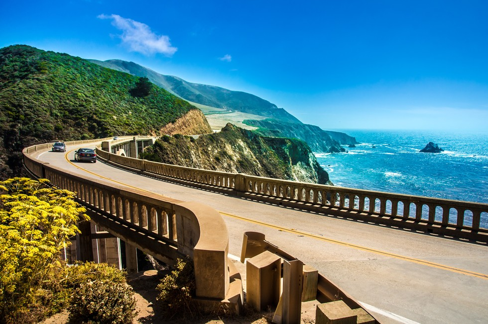 highway on the coastline of California