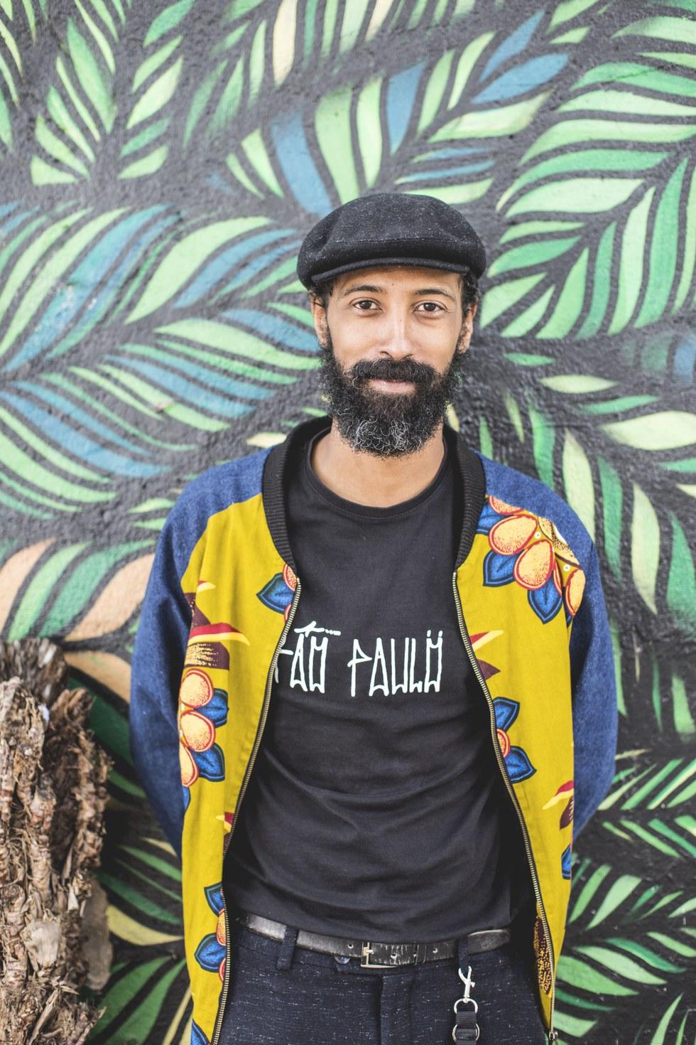 Thiago, ritual street artist