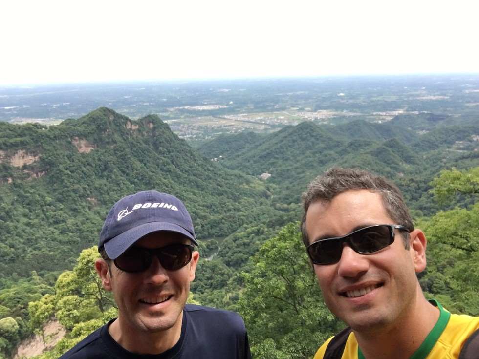 Both brothers on a hike of Mount Qingcheng