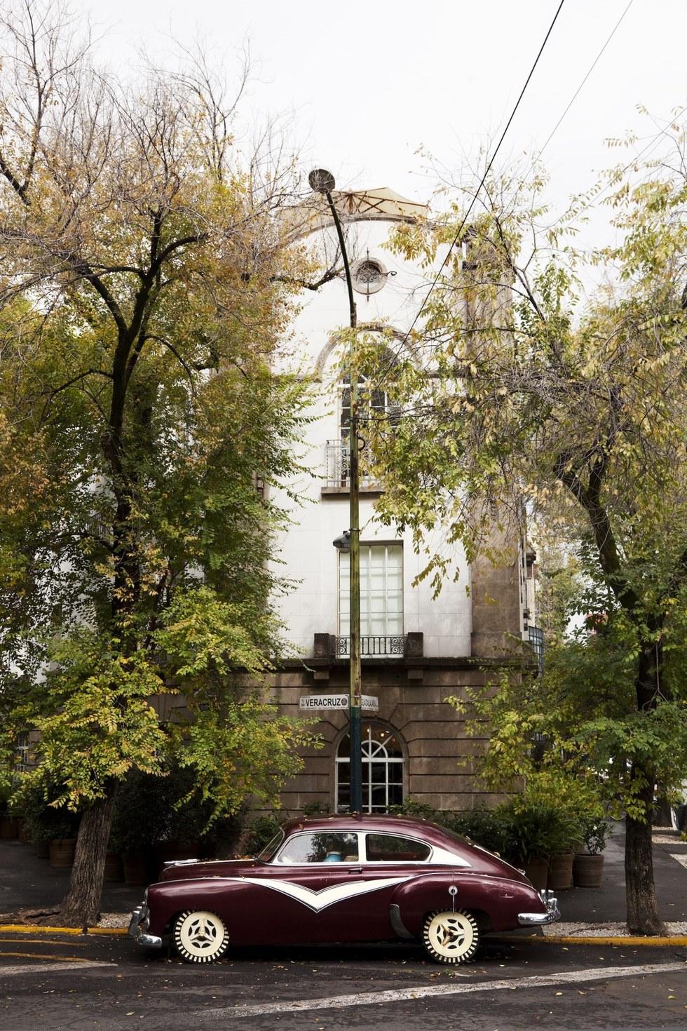 The facade of the Condesa DF hotel