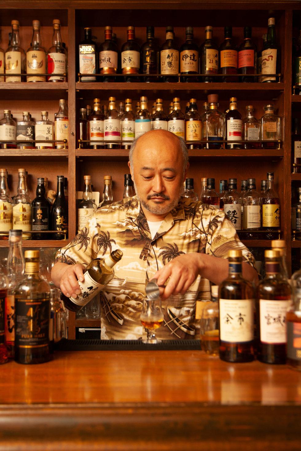 Atsushi Horigami pours a dram at Tokyo's Zoetrope Shot Bar
