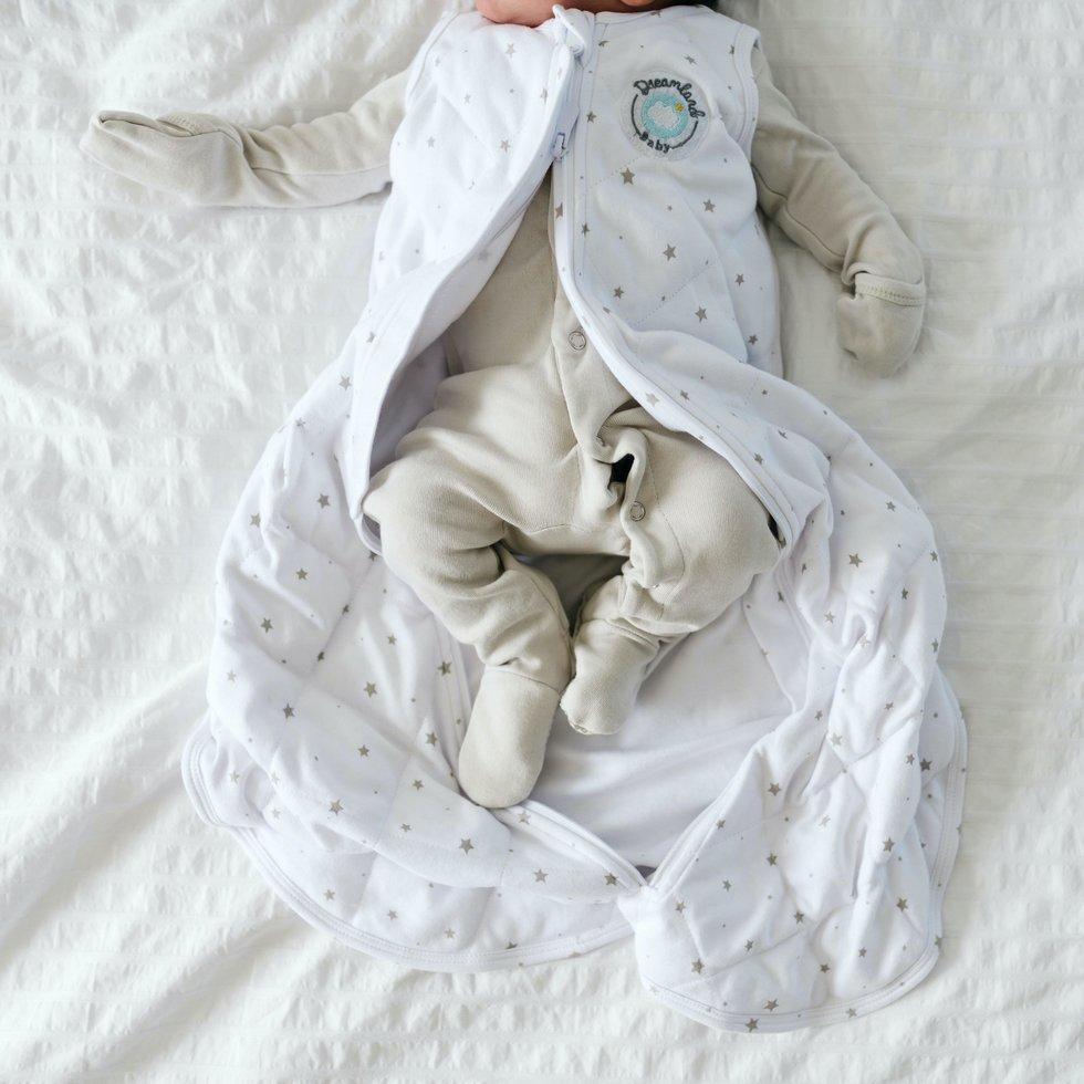 Giấc mơ váy ngủ có trọng lượng và quấn