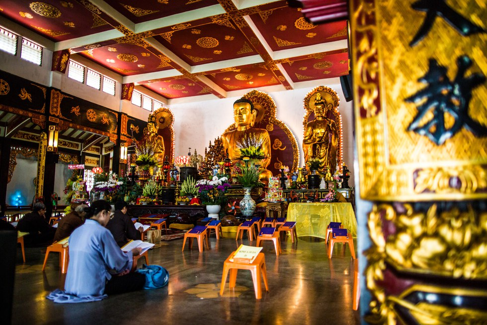 Solitude and splendor at the Vinh Nghiem Pagoda, the largest Buddhist temple in Saigon