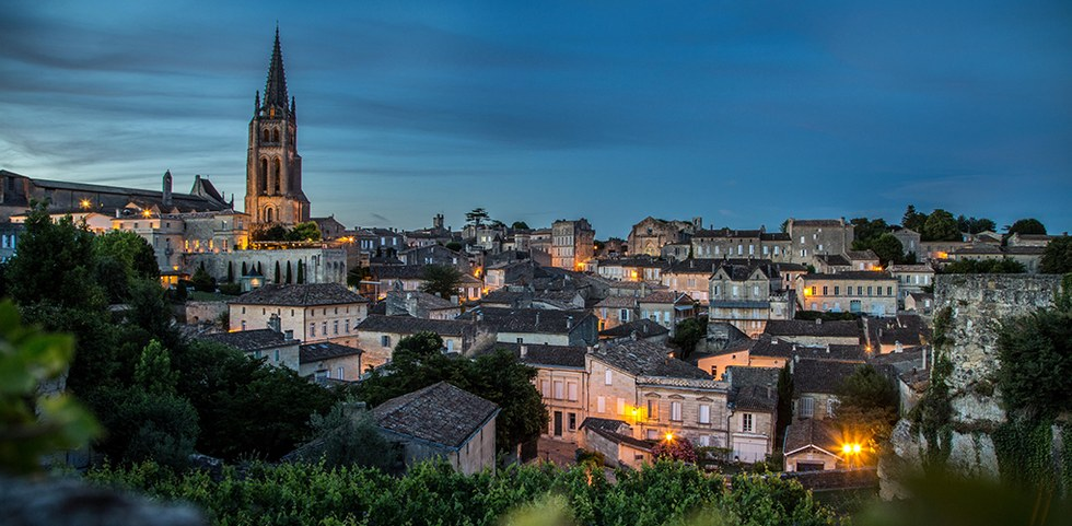 Night time view of the city of Bordeaux, France