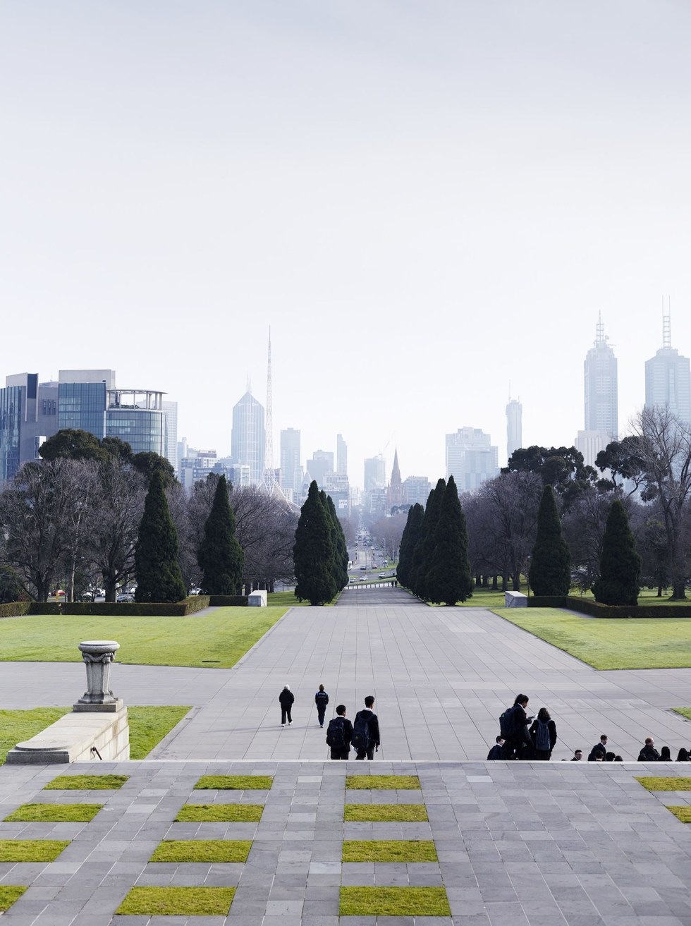 Tranquility prevails at the Shrine of Remembrance