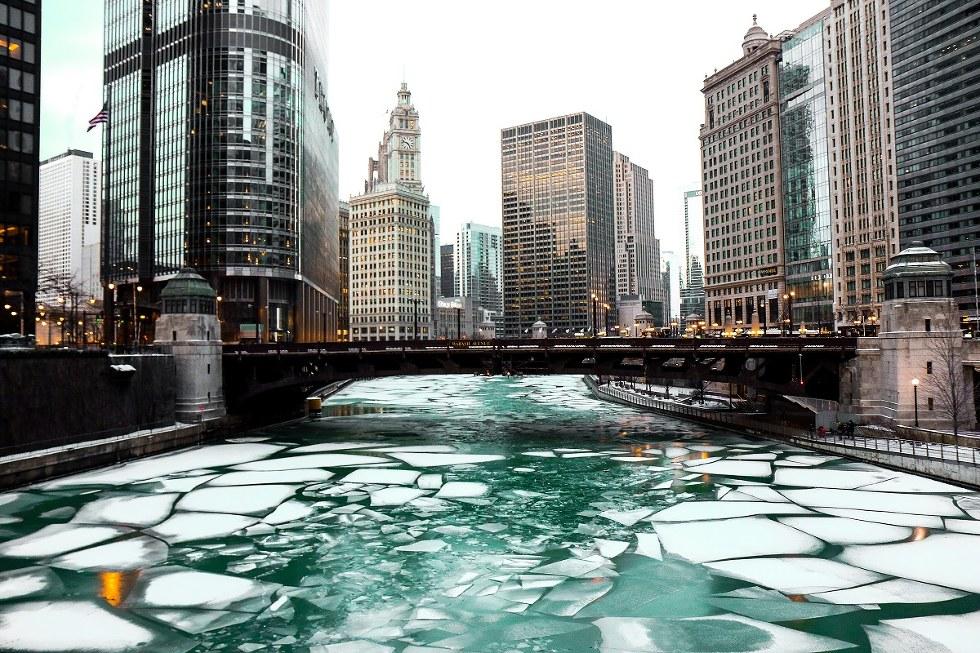 Chicago river melting