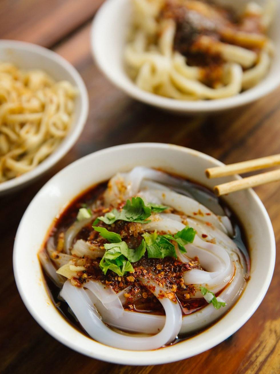 Sky\u2013water noodles at Dongzi Kouzhang Lao'er Liangfen