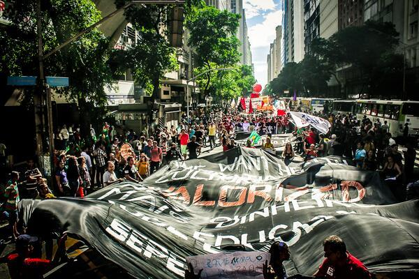 Brasil mundial 2014. el otro mundial. seguimiento. Image?u=%2Fmedia%2FBp8T1aoCcAABZjW.jpg%3Amedium&ho=https%3A%2F%2Fpbs.twimg
