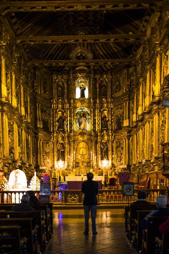The magnificent interior of the Iglesia de San Francisco